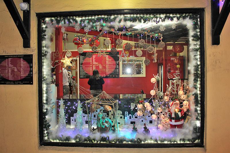 Christmas Window Display Contest Winners Bermuda Dec 23 2018 Wongs Golden Dragon_The People's Choice