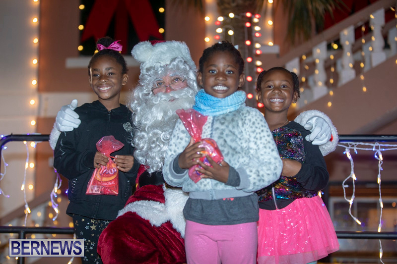 Santa-Claus-visits-St.-George's-Bermuda-December-1-2018-2223