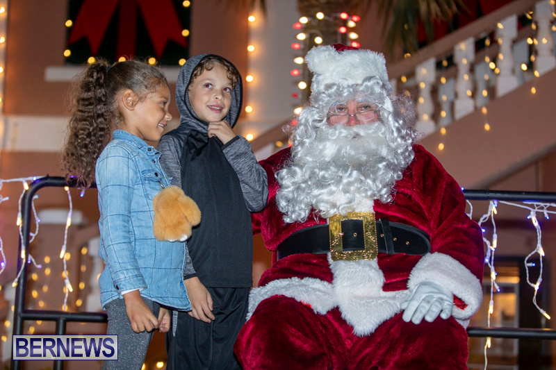 Santa-Claus-visits-St.-George's-Bermuda-December-1-2018-2229