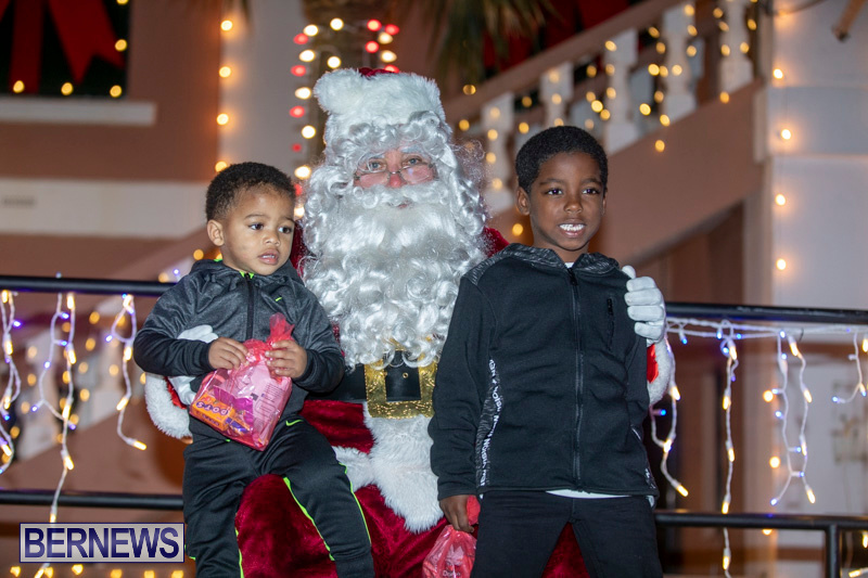 Santa-Claus-visits-St.-George's-Bermuda-December-1-2018-2235