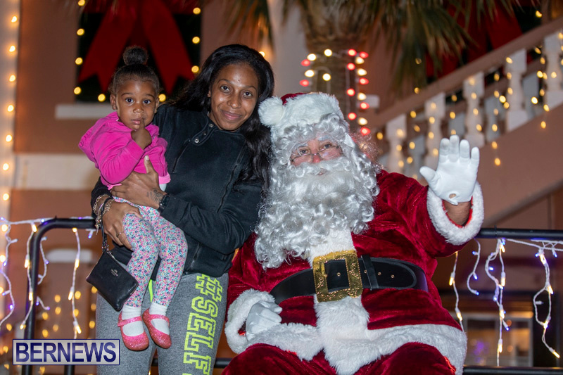 Santa-Claus-visits-St.-George's-Bermuda-December-1-2018-2236
