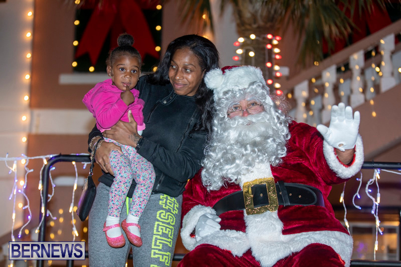 Santa-Claus-visits-St.-George's-Bermuda-December-1-2018-2237
