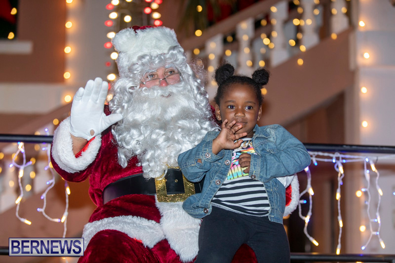 Santa-Claus-visits-St.-George's-Bermuda-December-1-2018-2239