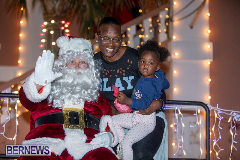 Santa-Claus-visits-St.-George's-Bermuda-December-1-2018-2241