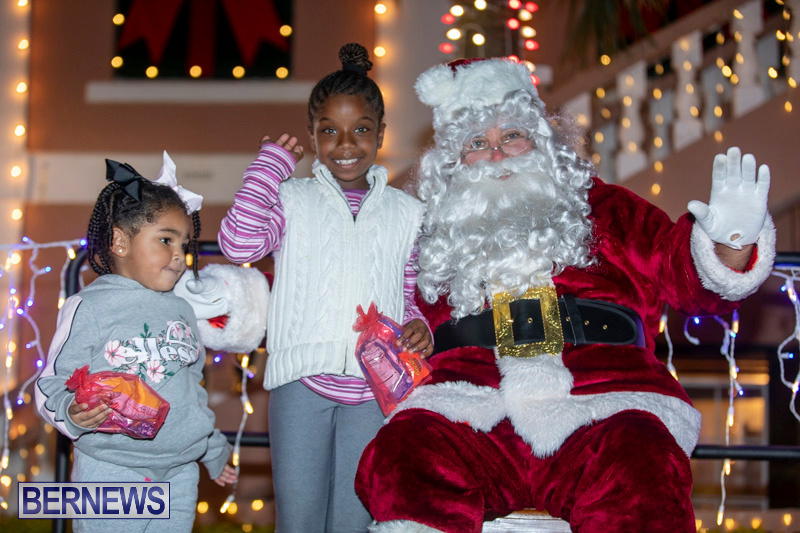 Santa-Claus-visits-St.-George's-Bermuda-December-1-2018-2248
