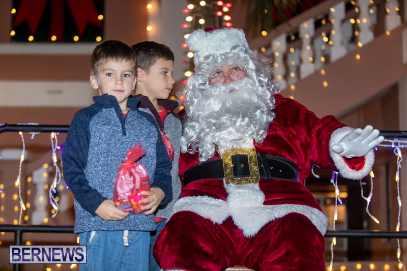 Santa-Claus-visits-St.-George's-Bermuda-December-1-2018-2250