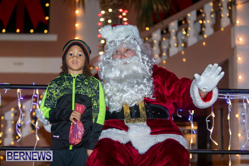 Santa-Claus-visits-St.-George's-Bermuda-December-1-2018-2252