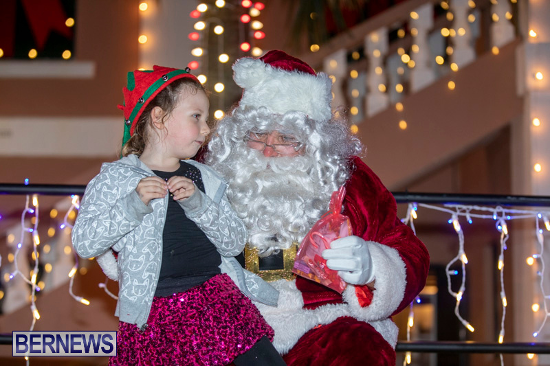 Santa-Claus-visits-St.-George's-Bermuda-December-1-2018-2255