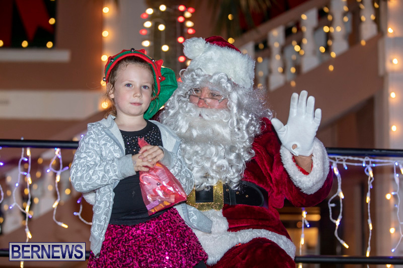 Santa-Claus-visits-St.-George's-Bermuda-December-1-2018-2258