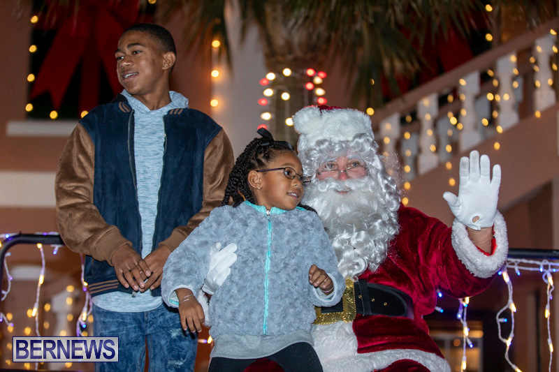 Santa-Claus-visits-St.-George's-Bermuda-December-1-2018-2260
