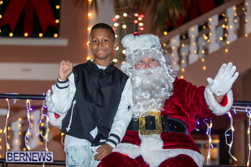 Santa-Claus-visits-St.-George's-Bermuda-December-1-2018-2262