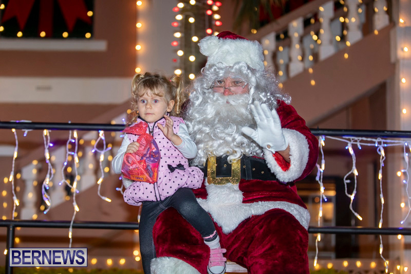 Santa-Claus-visits-St.-George's-Bermuda-December-1-2018-2265