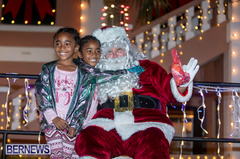 Santa-Claus-visits-St.-George's-Bermuda-December-1-2018-2270