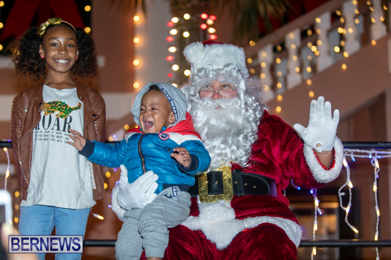 Santa-Claus-visits-St.-George's-Bermuda-December-1-2018-2274