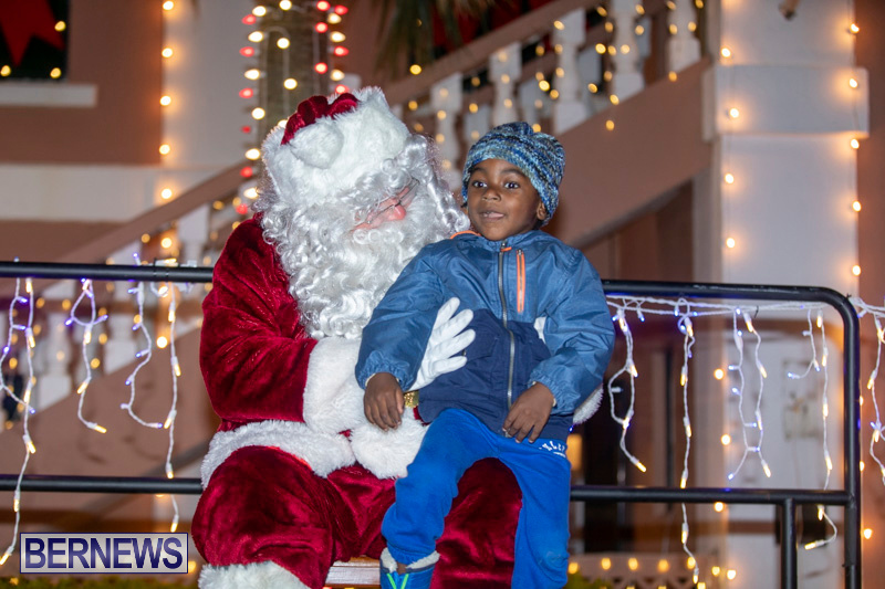 Santa-Claus-visits-St.-George's-Bermuda-December-1-2018-2282