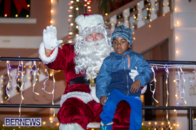 Santa-Claus-visits-St.-George's-Bermuda-December-1-2018-2283