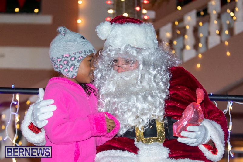 Santa-Claus-visits-St.-George's-Bermuda-December-1-2018-2284