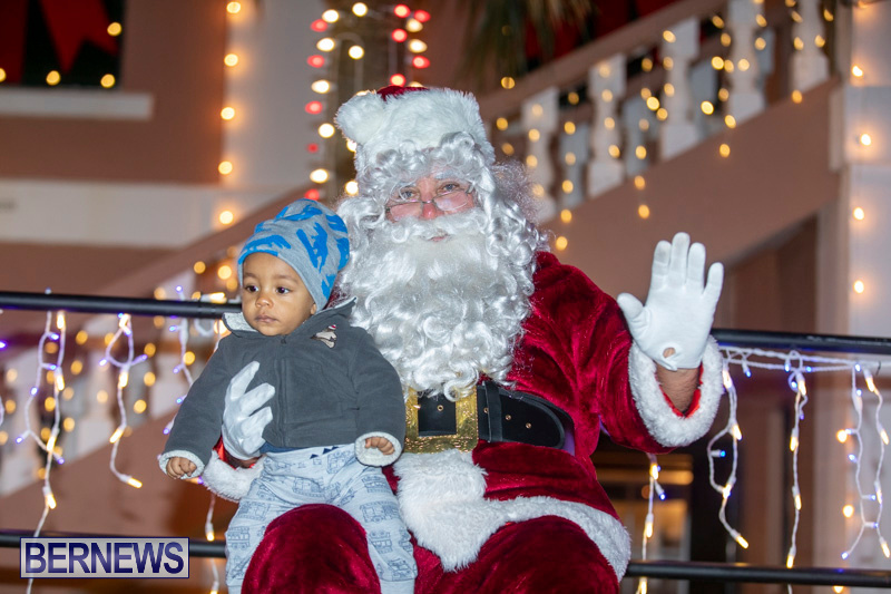 Santa-Claus-visits-St.-George's-Bermuda-December-1-2018-2291