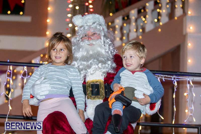 Santa-Claus-visits-St.-George's-Bermuda-December-1-2018-2303
