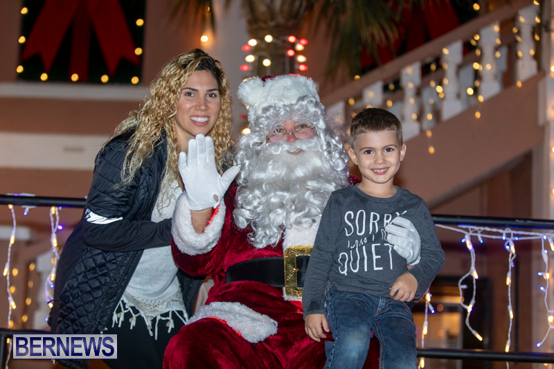 Santa-Claus-visits-St.-George's-Bermuda-December-1-2018-2306