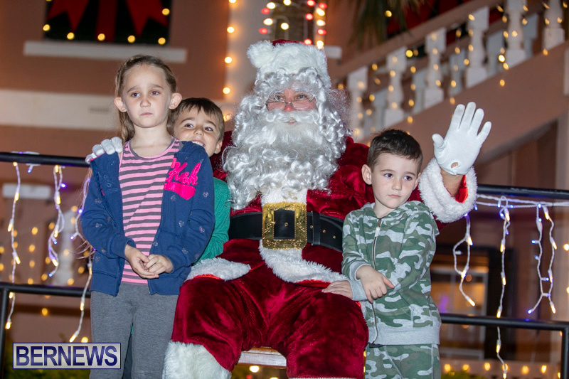 Santa-Claus-visits-St.-George's-Bermuda-December-1-2018-2309