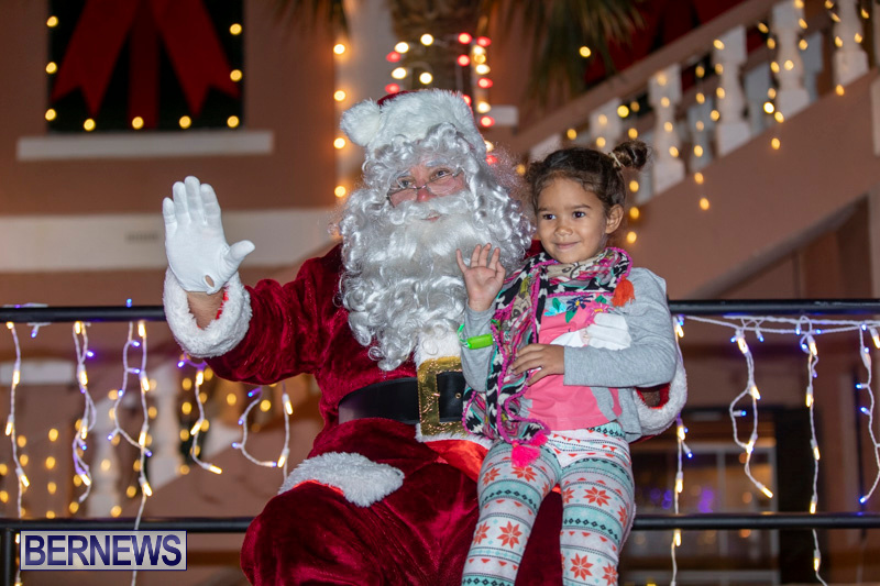 Santa-Claus-visits-St.-George's-Bermuda-December-1-2018-2311