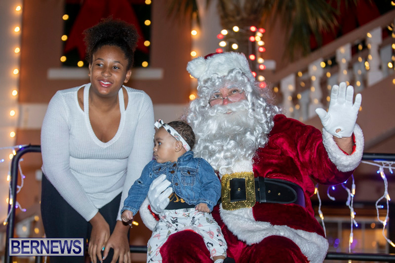 Santa-Claus-visits-St.-George's-Bermuda-December-1-2018-2322