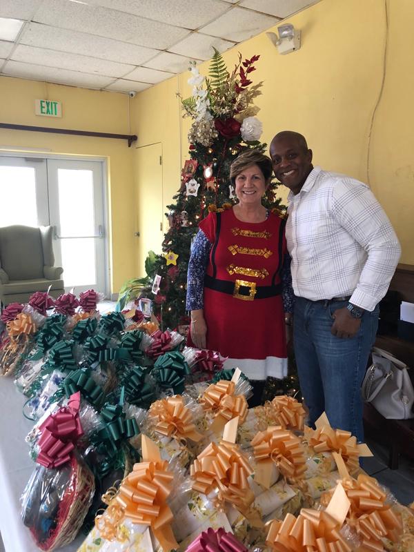 TMR Holiday Cheer Bermuda Dec 2018 (3)