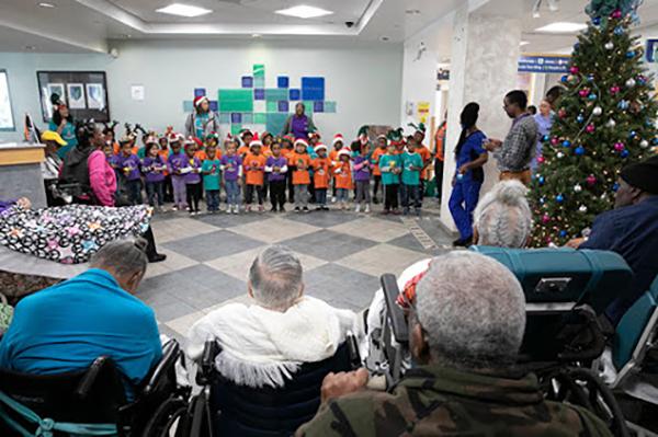 "Warwick Preschool ""Caroling in the Community"" Bermuda Dec 14 2018 (1)"