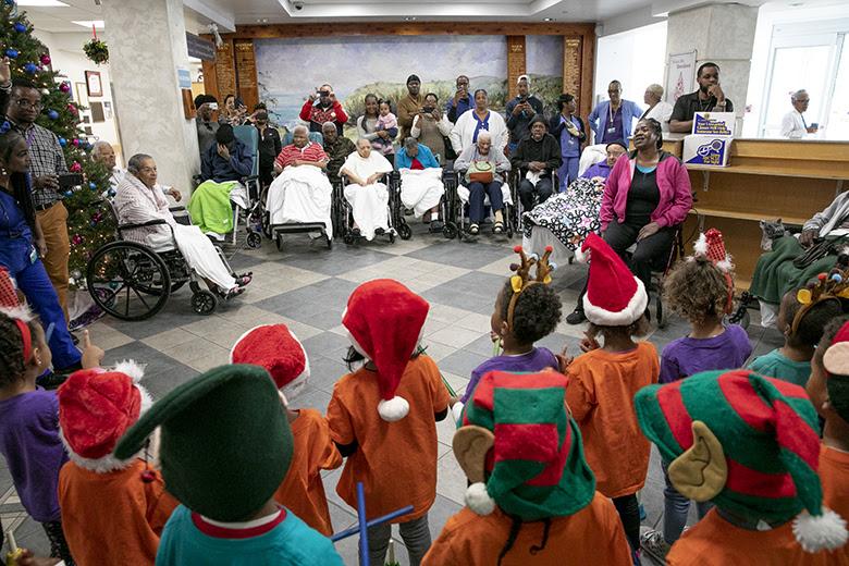 "Warwick Preschool ""Caroling in the Community"" Bermuda Dec 14 2018 (3)"