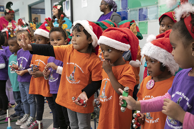 "Warwick Preschool ""Caroling in the Community"" Bermuda Dec 14 2018 (4)"