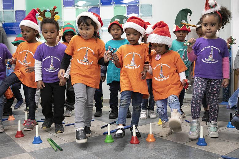 "Warwick Preschool ""Caroling in the Community"" Bermuda Dec 14 2018 (5)"