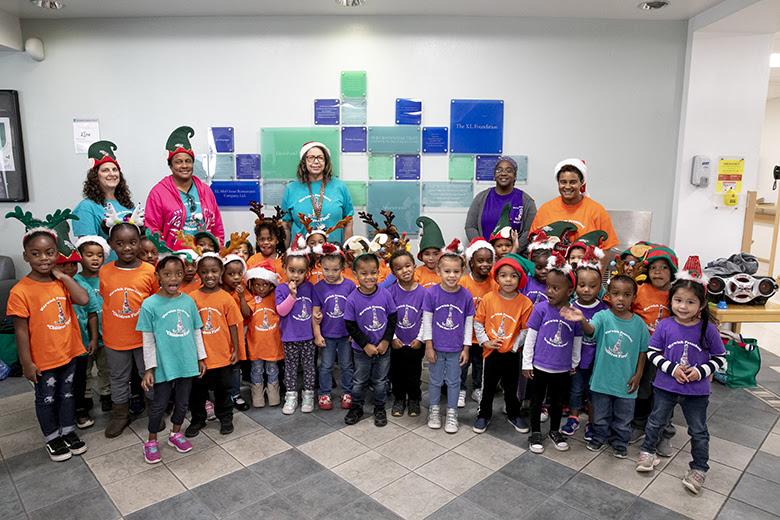 "Warwick Preschool ""Caroling in the Community"" Bermuda Dec 14 2018 (7)"