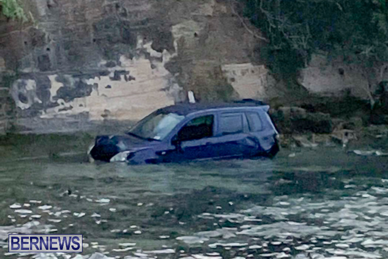 Car Overboard Bermuda, January 5 2019-32-4