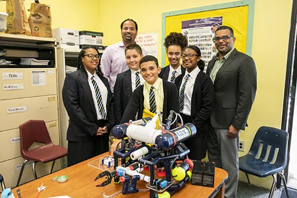 Robotics Class At CMS Bermuda Jan 30 2019 (1)