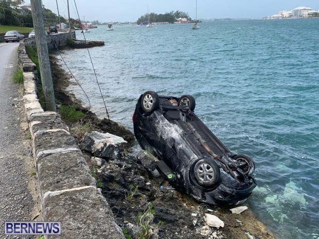 car overturned Bermuda Feb 25 2019 (4)