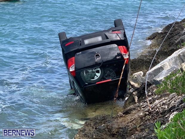 car overturned Bermuda Feb 25 2019 (5)