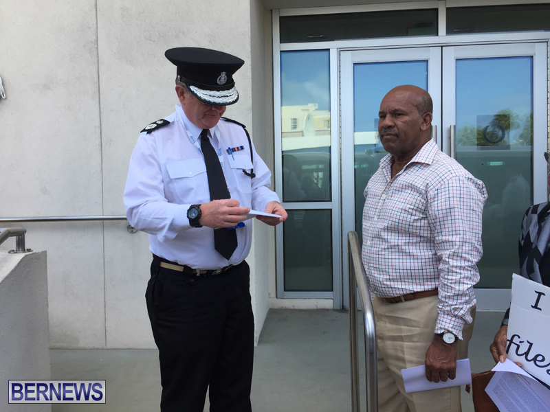 Medical Patients Deliver Letters Bermuda March 22 2019 (7)