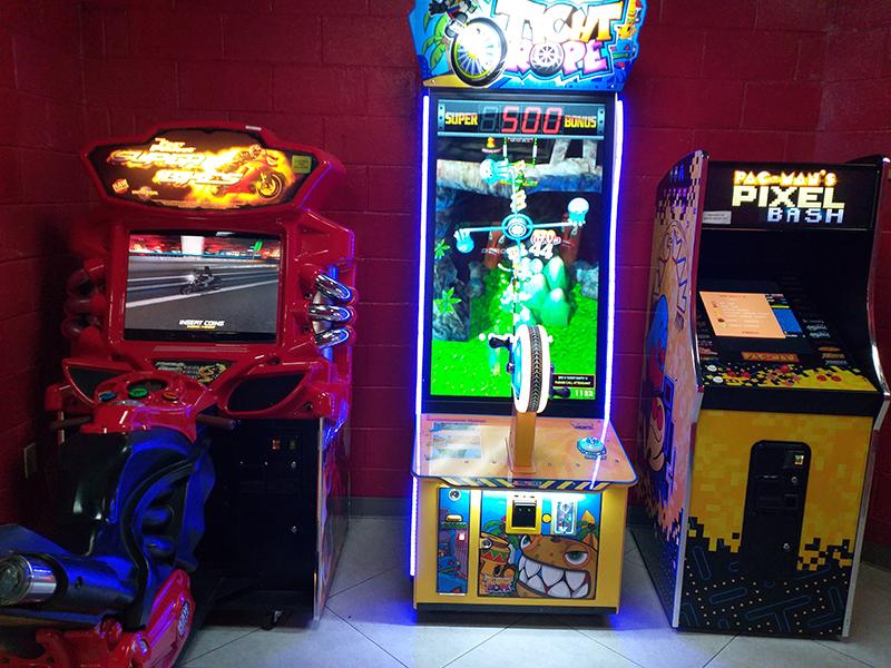 Strykz Bowling Lounge Bermuda Mar 14 2019 (2)