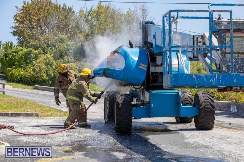 Bucket Hi Lift Fire Bermuda, April 29 2019-0001