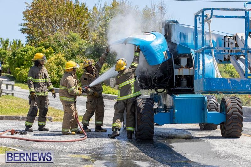 Bucket Hi Lift Fire Bermuda, April 29 2019-0006