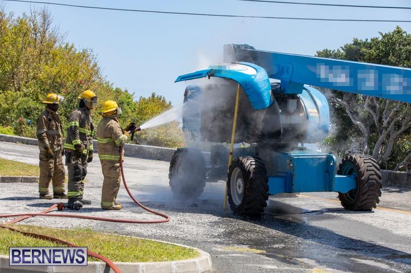 Bucket Hi Lift Fire Bermuda, April 29 2019-0010