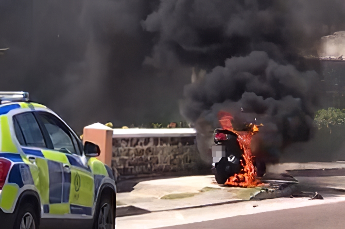 Motorcycle Fire Bermuda, April 19 2019 (1)