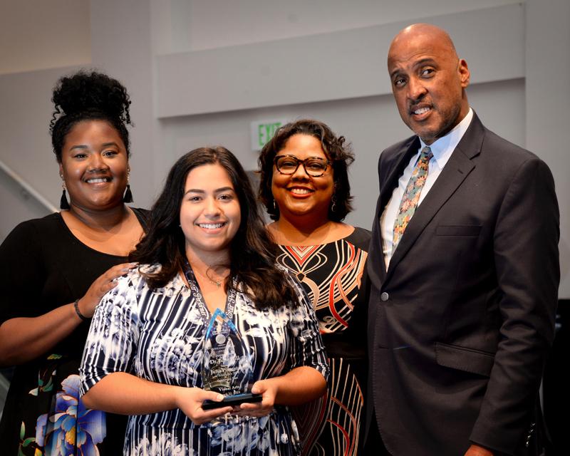 Outstanding-Teen-Award-Bermuda-April-2019-3