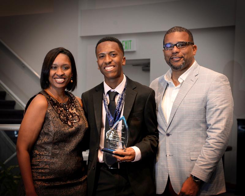 Outstanding-Teen-Award-Bermuda-April-2019-6