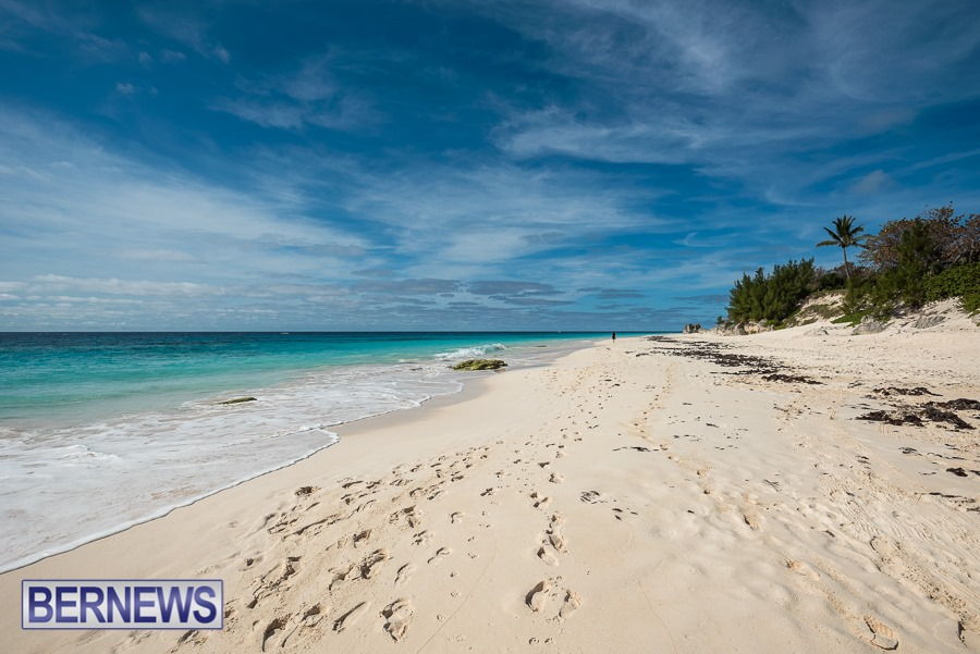 302 One of Bermuda residents favorite beaches, Elbow Beach