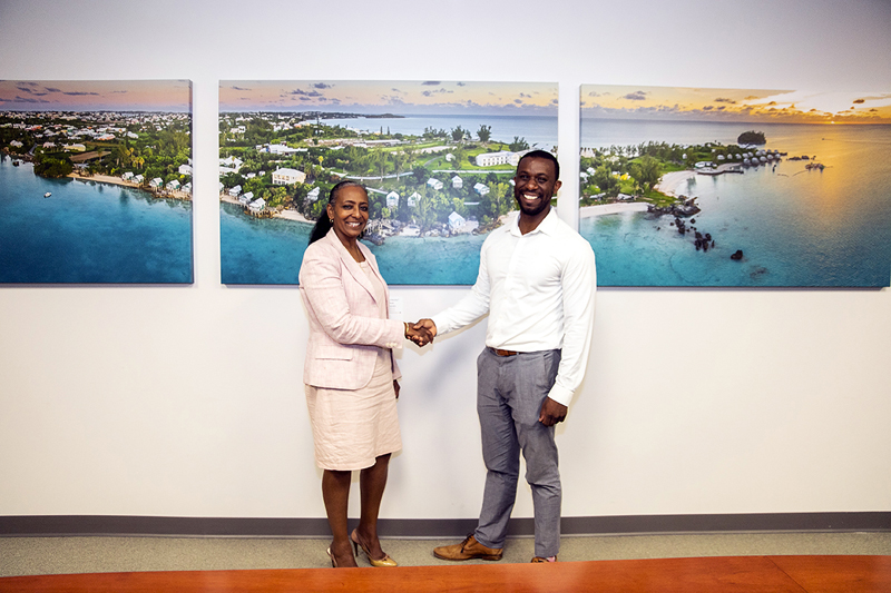 Public Art Project in Govt Buildings Bermuda June 2019 (4)