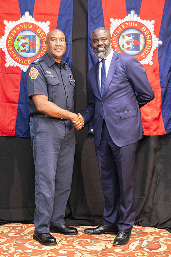 Lt Paul Dill and Minister Caines Bermuda July 2019