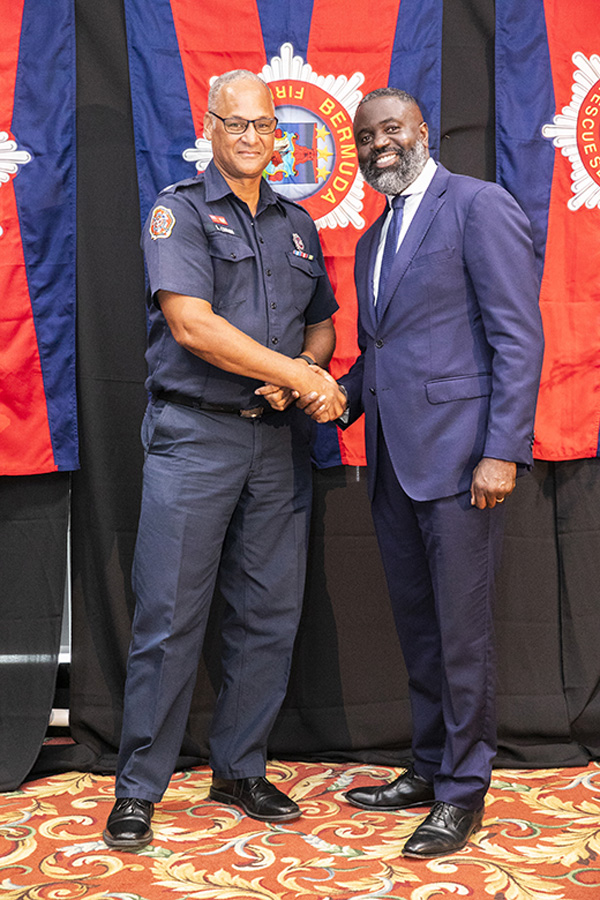 Lt Scott Quinn and Minister Caines Bermuda July 2019