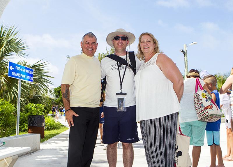 Minister DeSilva Visits Horseshoe Bay Beach Bermuda July 2019 (3)